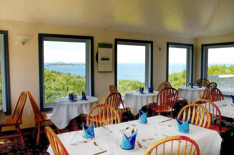 10-restaurantview-enh